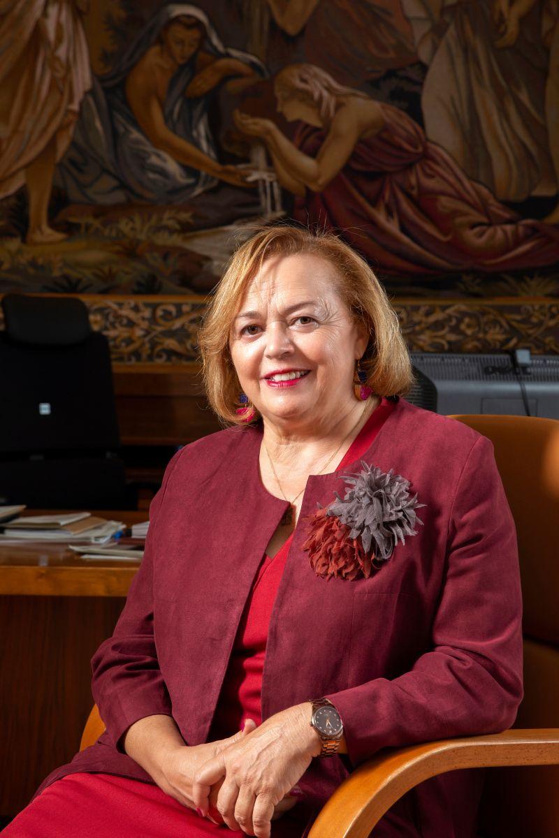 ROSA MENENDEZ PREMIO CLARA CAMPOAMOR